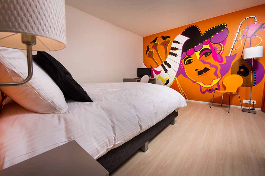 Toyistenhotel Chaplin's Room A - Toyism Art Movement